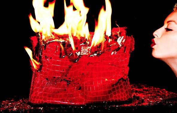 la-birkin-hermes-in-fiamme