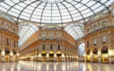 Prada e Versace restaurano la Galleria Milanese