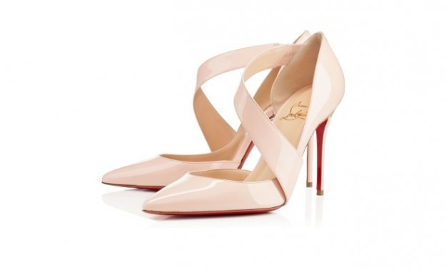 decollete-in-vernice-color-cipria-louboutin