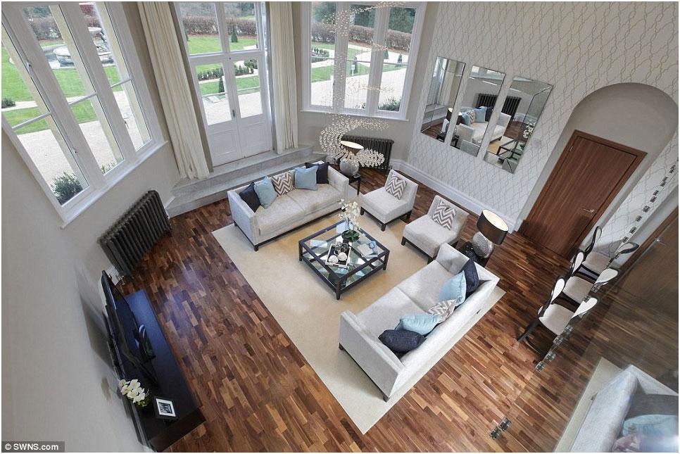 Appartamento di lusso inglese casa della moglie di enrico for Piani di una casa di lusso di una storia