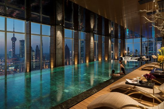 flare-spa-pool-with-evening