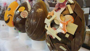 Uova di Pasqua di lusso: tra griffe e decorazioni artigianali