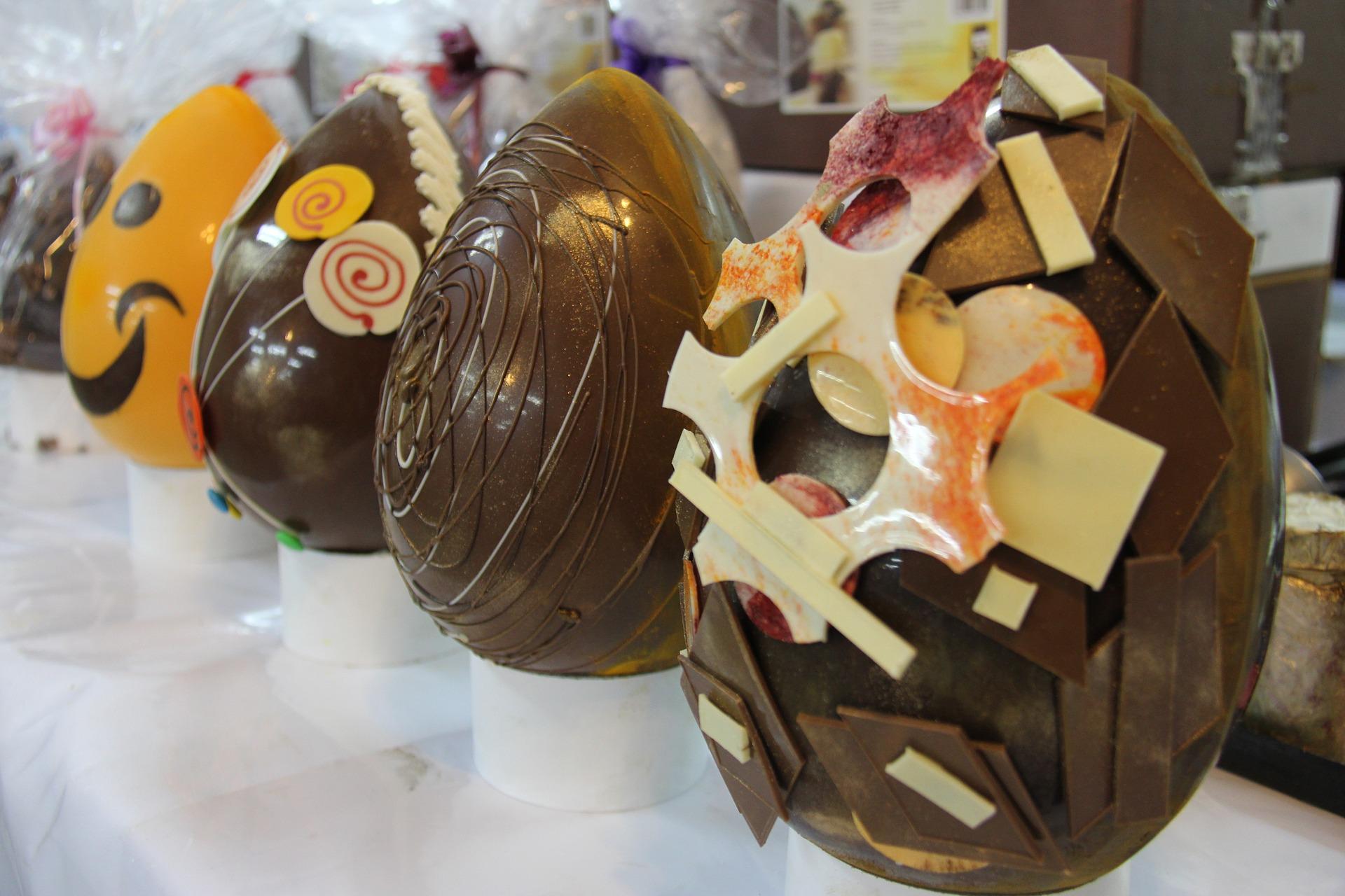 Uova di pasqua di lusso tra griffe e decorazioni artigianali - Uova di pasqua decorazioni ...