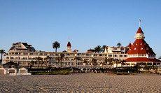 Gli hotel più belli visti nei film: viaggio negli alberghi più famosi del cinema