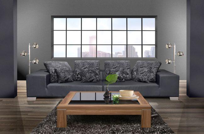 Sofa-de-cuero-de-dos-plazas-con-mesa-de-centro-de-madera
