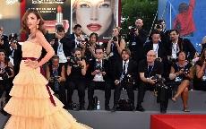red carpet della mostra del cinema di venezia
